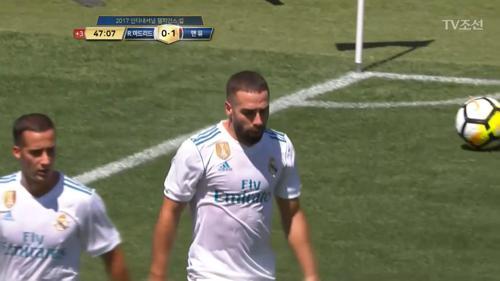 전반전 막판 최선을 다해 동점골을 노리는 레알의 선수들!