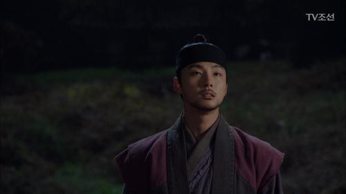 슬퍼하고 있을 진세연을 걱정하는 윤시윤!