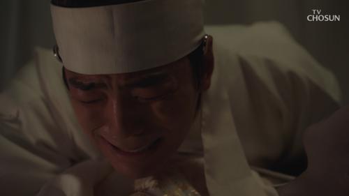 극적으로 깨어난 김민규, 왕비 진세연을 향한 직진(눈물샘 주의)