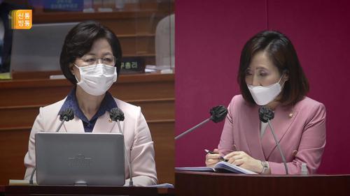 """추미애 """"탈영·황제 휴가?...너무 야비해"""" 발끈"""