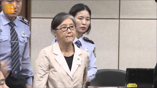 """최서원 """"옷 벗으라며 성추행""""...교도소장 고소 TV CHOSUN 210413 방송"""