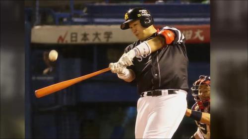 '일본시리즈 MVP' 이대호 메이저리그 진출 선언